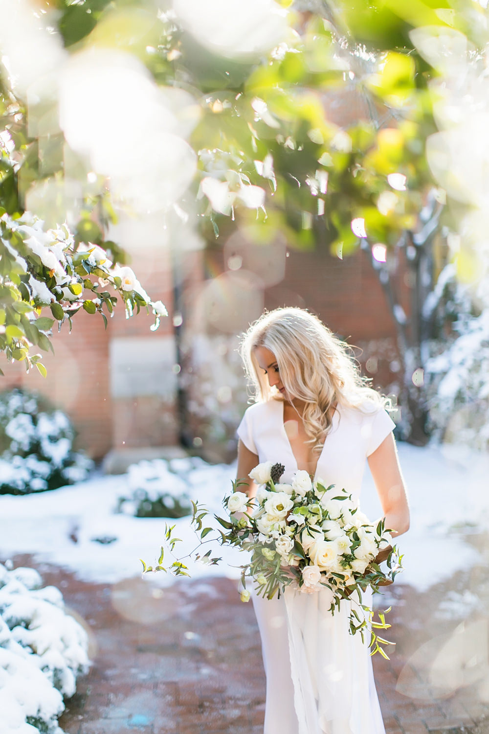 vue photography : snowy wedding : oliver hooper events : modfete 0013