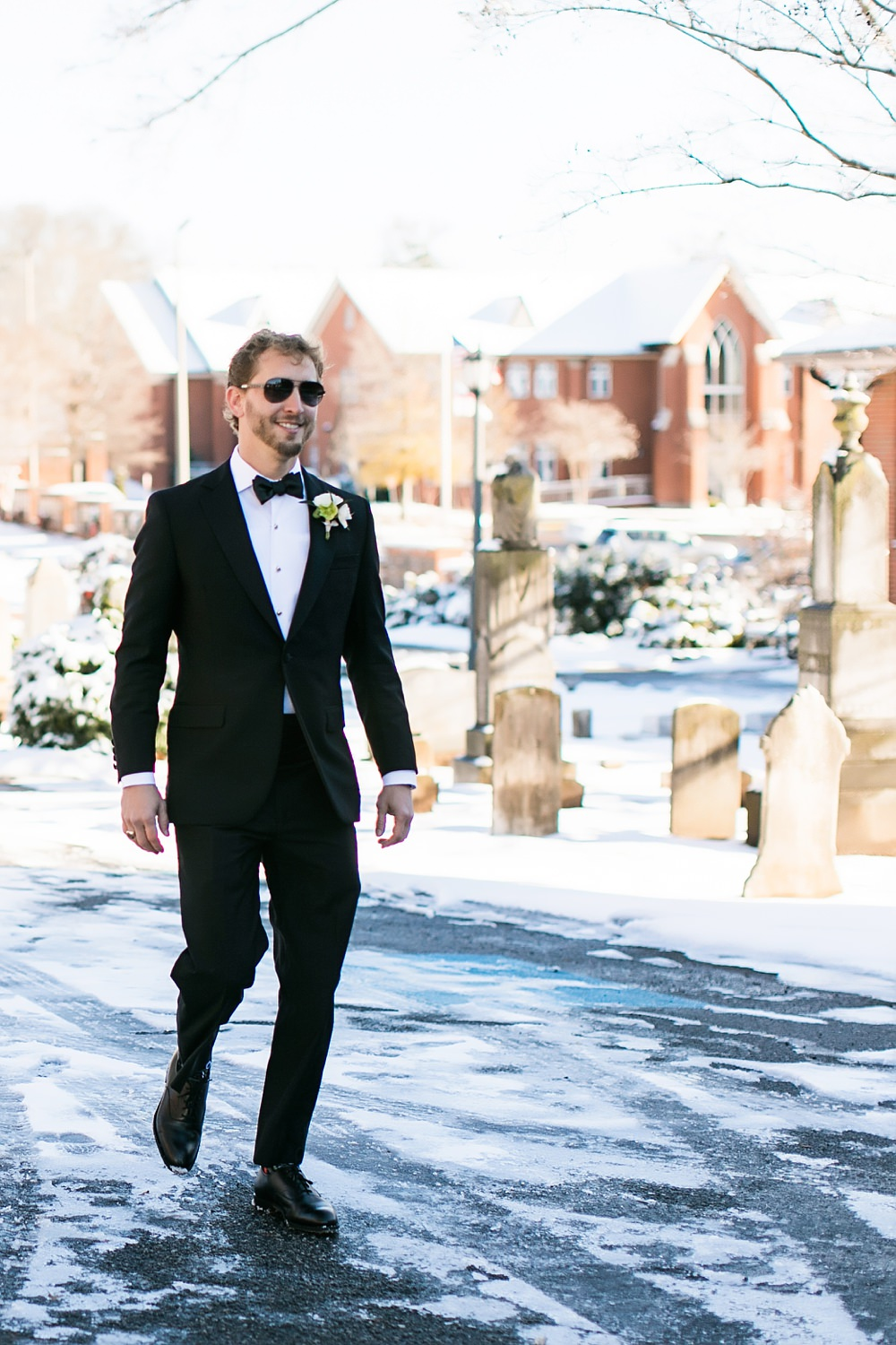 vue photography : snowy wedding : oliver hooper events : modfete 0021