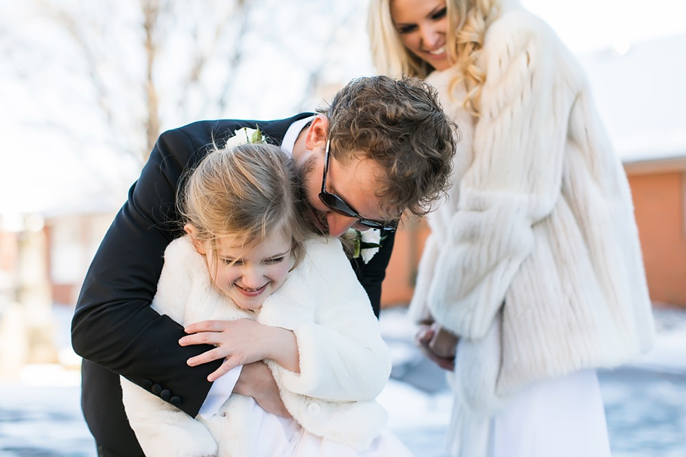 vue photography : snowy wedding : oliver hooper events : modfete 0027