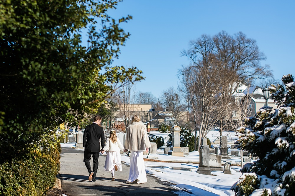 vue photography : snowy wedding : oliver hooper events : modfete 0028
