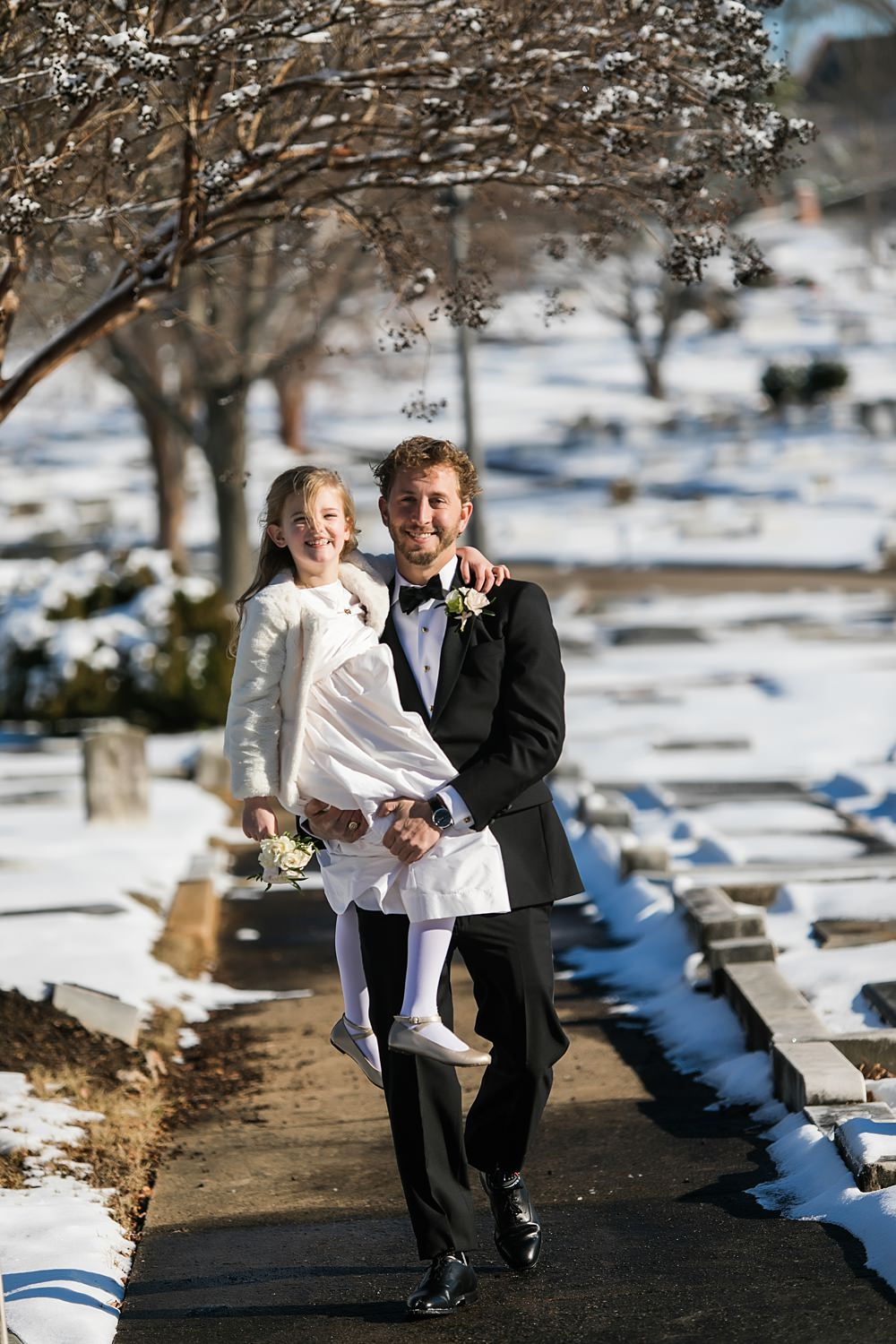 vue photography : snowy wedding : oliver hooper events : modfete 0034