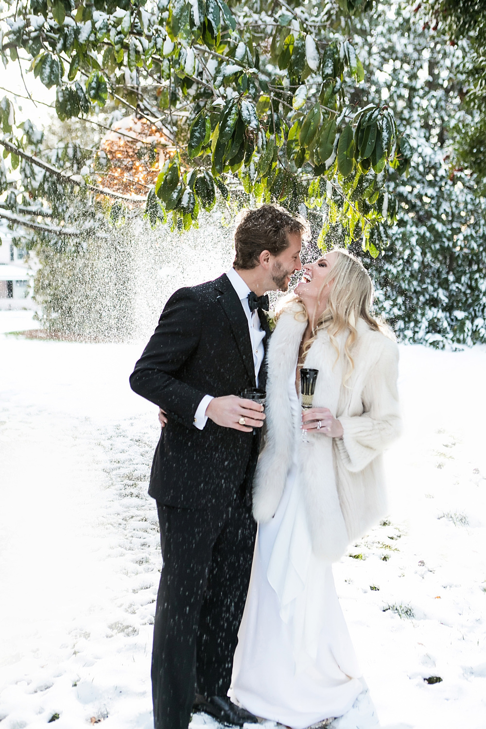 vue photography : snowy wedding : oliver hooper events : modfete 0056