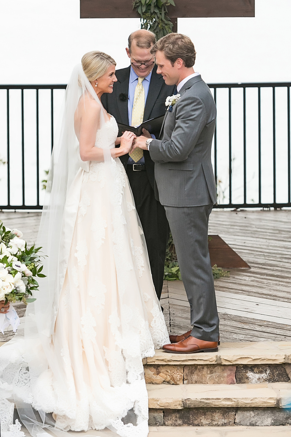 lake lanier wedding : we tie the knots : vue photography : boukates 0050