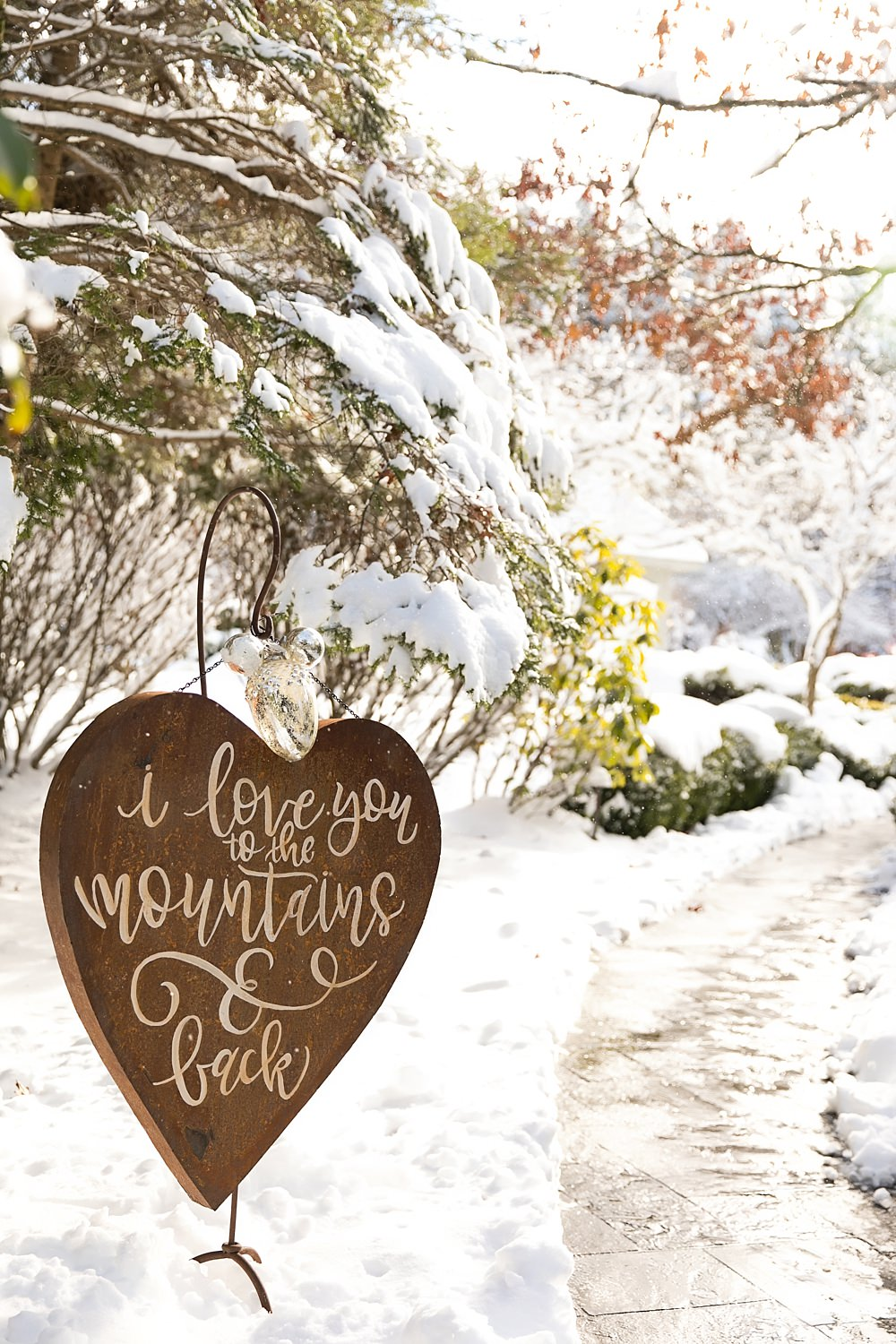 snowy wedding : highlands north carolina : the farm at old edwards : floressense flowers : vue photography (22)