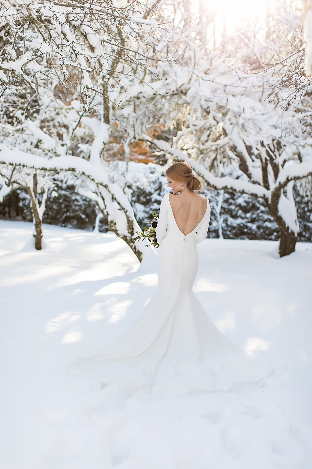 snowy wedding : highlands north carolina : the farm at old edwards : floressense flowers : vue photography (26)
