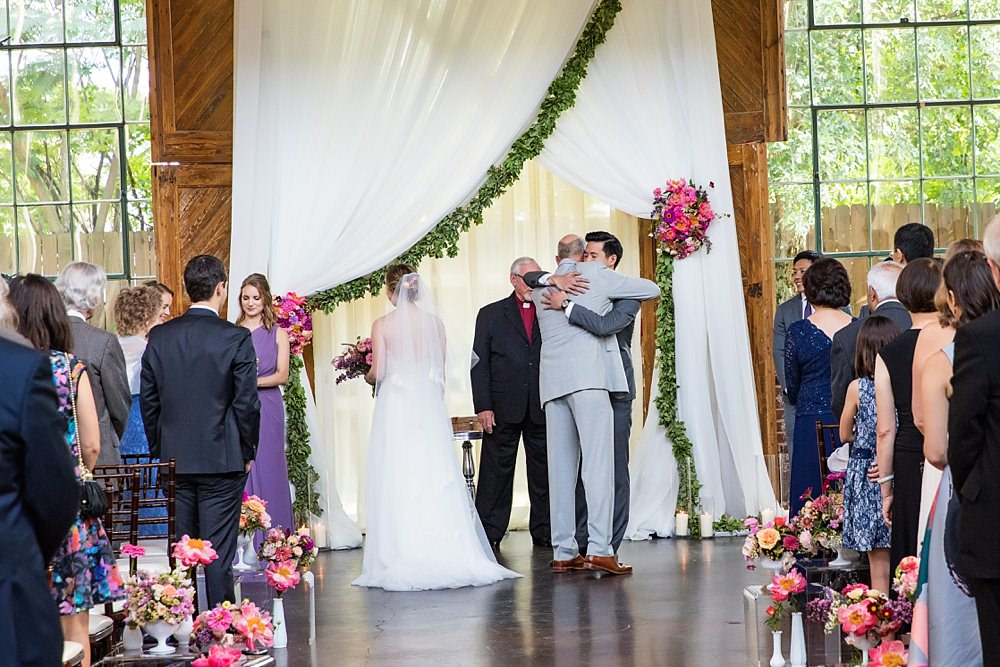 the foundry at puritan mill wedding : atlanta wedding : vue photography : amanda jewel floral and design : three little birds weddings0052