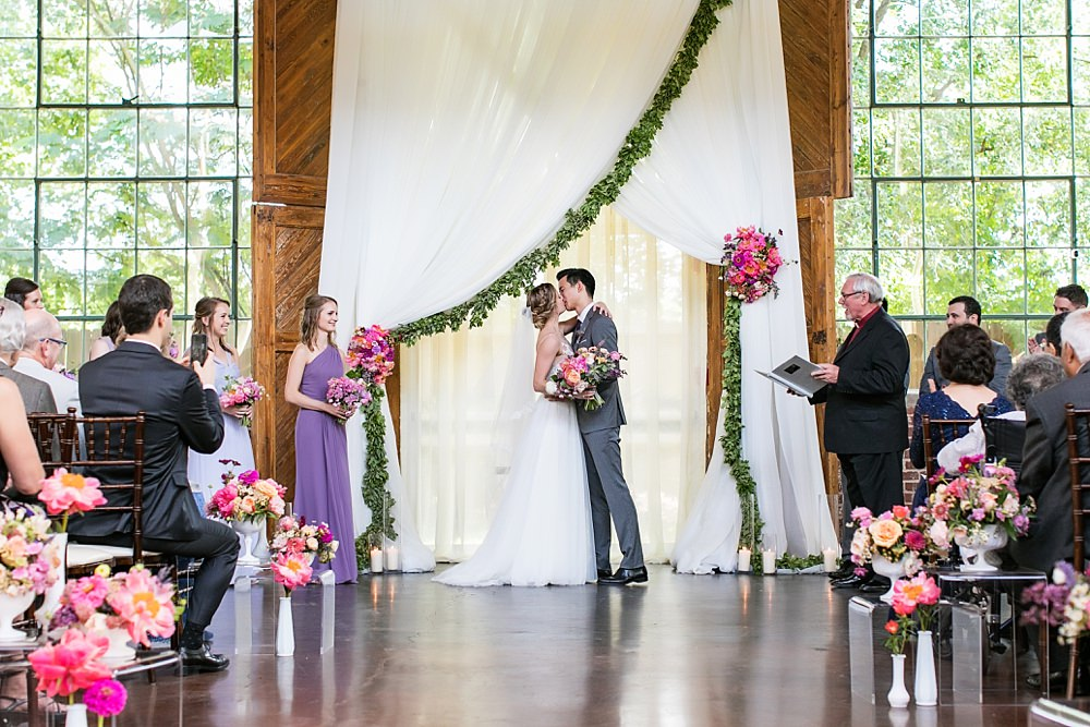 the foundry at puritan mill wedding : atlanta wedding : vue photography : amanda jewel floral and design : three little birds weddings0061