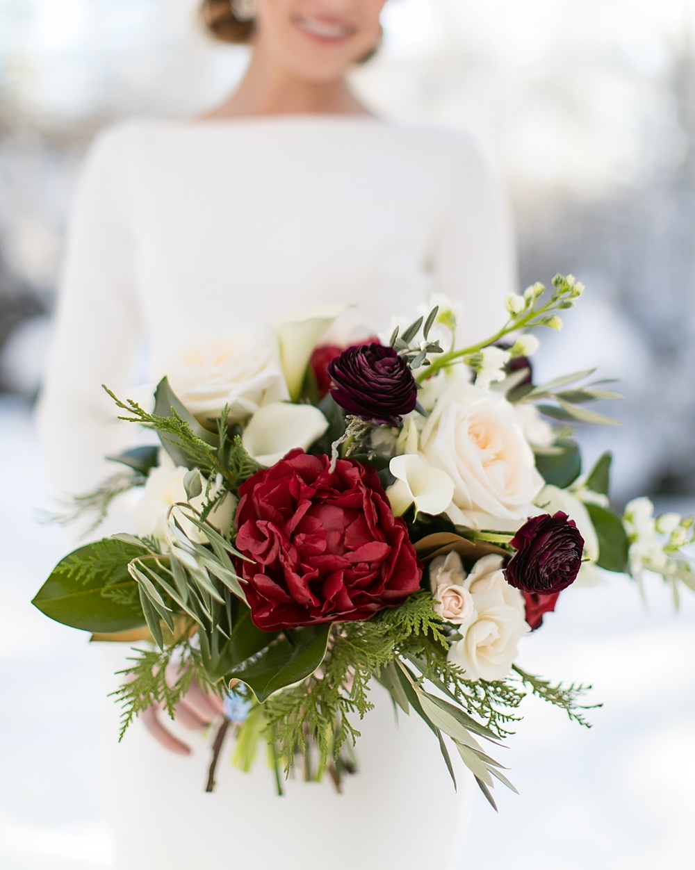 snowy wedding : highlands north carolina : the farm at old edwards : floressense flowers : vue photography (25)