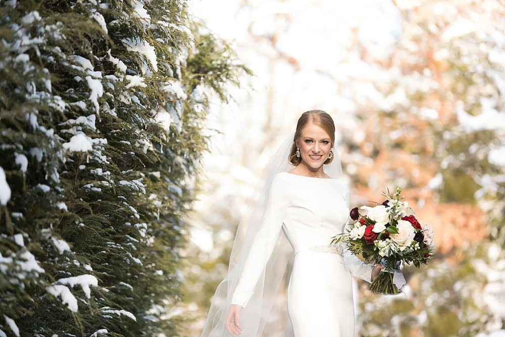 snowy wedding : highlands north carolina : the farm at old edwards : floressense flowers : vue photography (35)