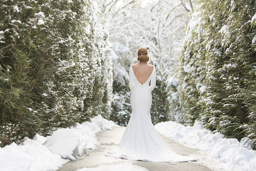 snowy wedding : highlands north carolina : the farm at old edwards : floressense flowers : vue photography (39)